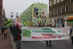07-mani1-protest2